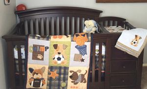 Sorelle 4-in-1 Baby Crib and Changer for Sale in Long Beach, CA