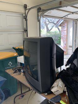 """Toshiba 33"""" TV for Sale in Shingle Springs,  CA"""