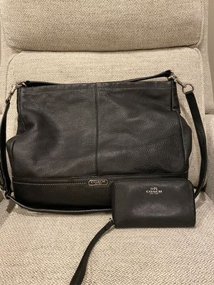 Coach purse and wallet for Sale in West Sacramento, CA
