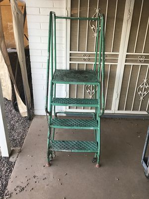 ROLLING LADDER GREAT CONDITION for Sale in Glendale, AZ