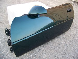 CORVETTE LH DRIVER DOOR OEM for Sale in Montclair, CA