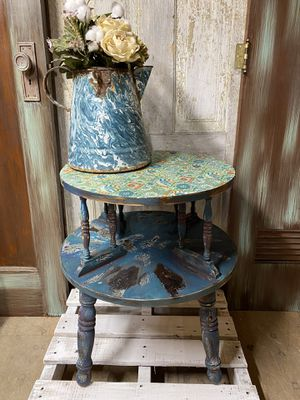 Boho chic 2 tier accent table for Sale in Ellinwood, KS