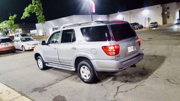 2002 TOYOTA SEQUOIA LIMITED LOW MILES