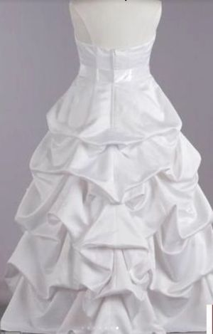 David's Bridal wedding gown $260 used ones but is clean size18w for Sale in Brownsville, TX