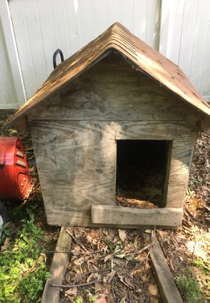 Dog house for Sale in Cleveland, OH