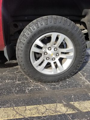 Stock 2014 Chevrolet rims and tires for Sale in Littleton, CO