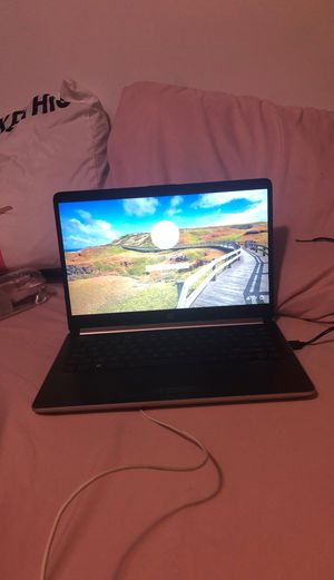 hp 15 4GB silver laptop for Sale in Blaine, MN