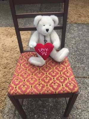 Stuffed bear holding heart ❤️ for Sale in Vancouver, WA