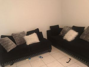 Sectional 2 Piece couch for Sale in North Miami, FL