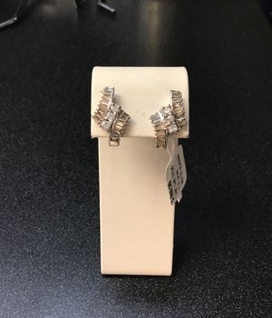 14k white gold diamond earrings for Sale in Chicago, IL