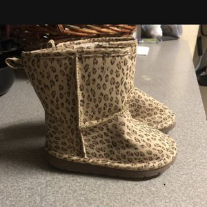 Size 8 baby Gap boots Leopard for Sale in Lawrenceville, GA