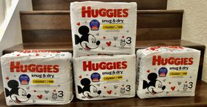 Huggies Snug and dry size 3!! for Sale in Royal Palm Beach, FL