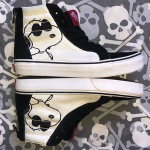 Vans x Peanuts Sk8-Hi ZIP Joe Cool (Kids 3) for Sale in Tamarac, FL
