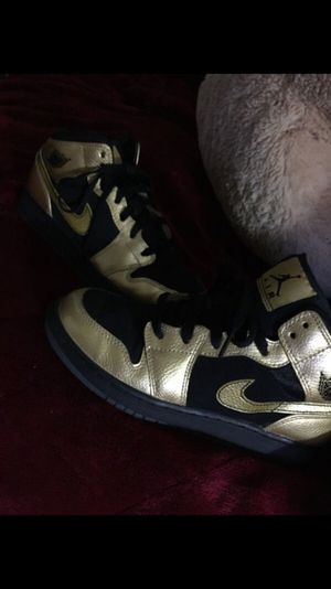 Air Jordan black and gold 1's for Sale in Long Beach, CA