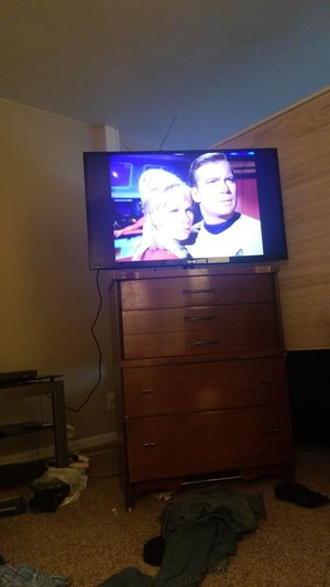43in sanyo flat screen TV for Sale in Moline, IL