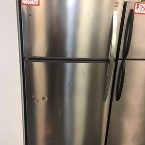 "Kenmore 33"" Top Freezer refrigerator Stainless Steel Working Perfectly 4 Months Warranty for Sale in Laurel, MD"