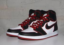 Bloodline jordan 1 size 10 for Sale in Mansfield, TX