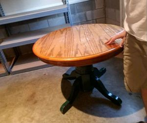Small round table for Sale in Clarksville, TN