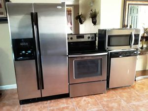 APPLIANCES KITCHEN SET for Sale in Phoenix, AZ