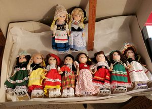 *****DOLLS****** lots of Dolls. New never played with for Sale in Dallas, OR