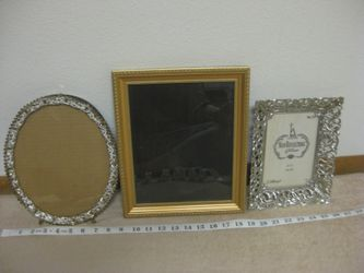 Vintage Photo Frames, Repousse Floral, Oval Filigree, Gold Rectangle - New or Like New for Sale in Poulsbo,  WA