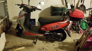 2014 vip 50cc scooter for Sale in Forest Heights, MD