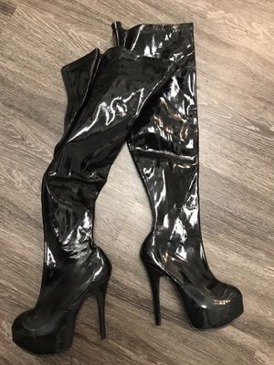 Perfect for halloween costume! Extra high black boots! for Sale in Vancouver, WA