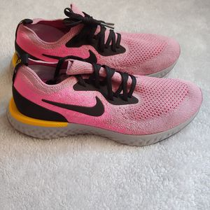 Nike Epic React Flynit Running Shoe Womens 8.5 for Sale in Chicago, IL