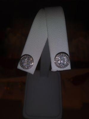 14kt white gold diamond cluster studs for Sale in Warren, MI