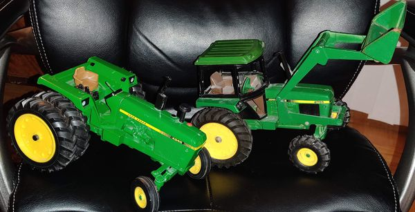 John Deere 4040 Toy Tractor with Diecast rims & John Deere 2755 tractor with loader