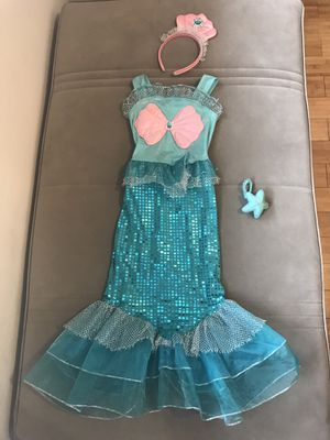 Mermaid girl costume for Sale in Queens, NY