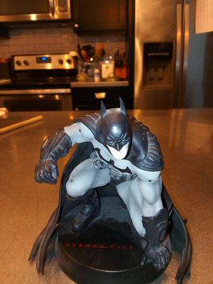 Batman Arkham City statue collectible for Sale in Riverview, FL