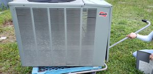 Rudd AC condenser 5 tons , R 22 used maintained by a licensed HVAC Tech asking: 650.00 neg for Sale in Humble, TX