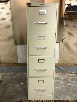 4 drawer metal file cabinet. Includes file inserts for Sale in Piedmont, SC