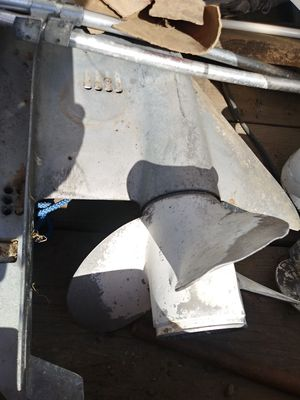1977 Johnson EVINRUDE 85 115 140 HP Lower Unit for Sale in Bethel Island, CA