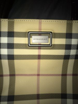 Real Burberry purse for Sale in Orlando, FL