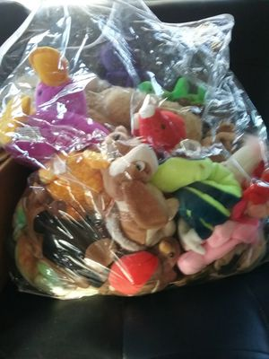 Big bag of beanie babies for Sale in Joshua Tree, CA