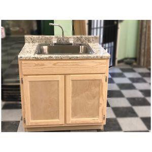 Kitchen cabinet for Sale in Cerritos, CA