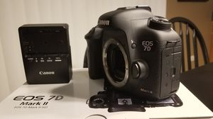 Canon 7D II body only for Sale in Elgin, IL