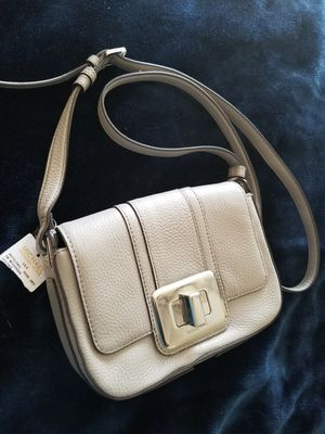 Michael Kors brand new with tag Pearl Grey Leather Small Messenger Purse Bag for Sale in Chandler, AZ