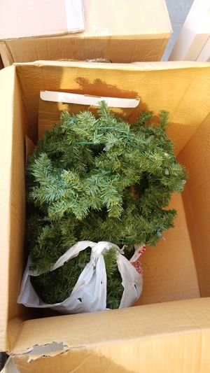 Garland 20 ft with lights for Sale in Salida, CA