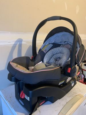 Graco infant/baby car seat for Sale in Silver Spring, MD