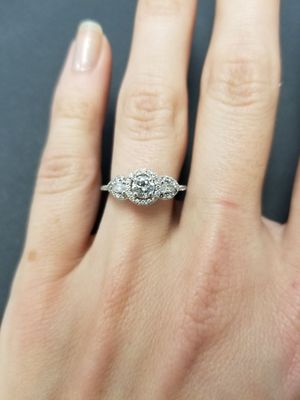 24K White Gold Halo Engagement Ring for Sale in Chicago, IL