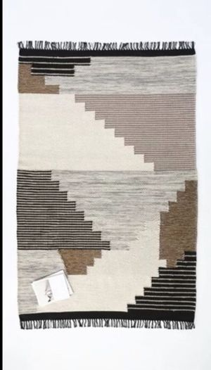 West Elm Colca Wool Rug size 5' x 8' Brand New! I Paid $465. Asking $265 Firm (Pottery Barn, Crate & Barrel, Anthropologie) for Sale in San Diego, CA