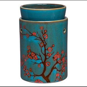 NEW IN BOX—-> Scentsy Cherry Tree Warmer (RETIRED) for Sale in Commerce City, CO