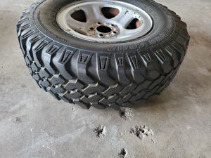 Wheel and tire for Sale in Manteca, CA