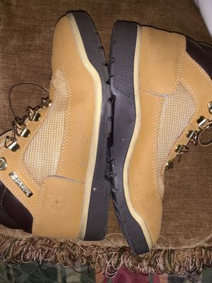 Boys **TIMBERLAND**SIZE 6 for Sale in Virginia Beach, VA