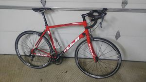 Fuji road bike for Sale in MENTOR ON THE, OH