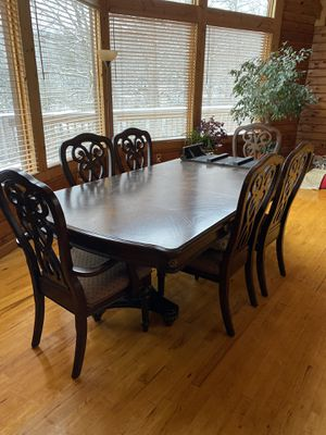 Dining room table and chairs for Sale in Nitro, WV