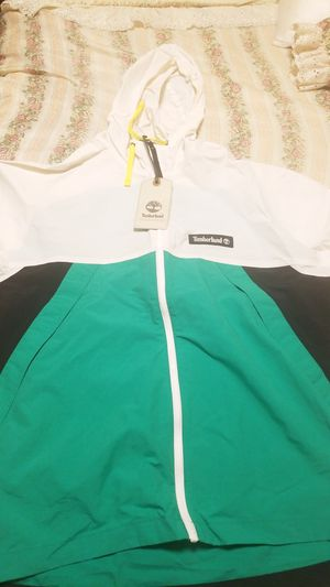 White and green timberland jacket for Sale in Arlington, TX